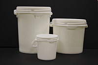 group screw top pails